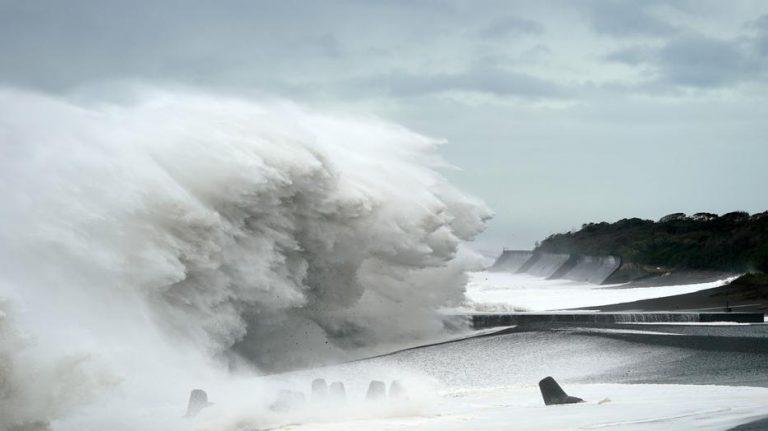 Ismét cunamiveszély fenyegeti Japánt 10 évvel a katasztrófa után
