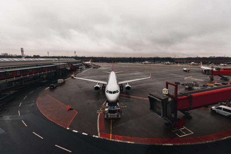 Ausztria ismét leszállási tilalmat vezet be a brit gépekre