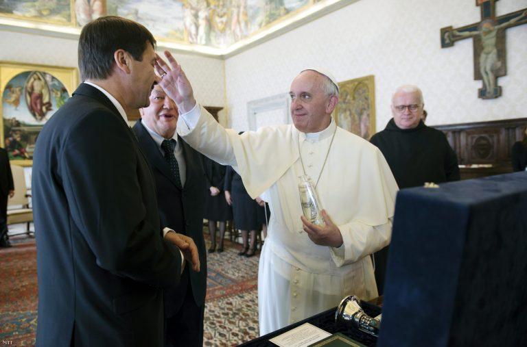 Ferenc pápa Orbánnal és Áderral sem akar találkozni
