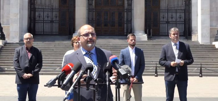 Az ellenzék bojkottálja a mai parlamenti szavazásokat