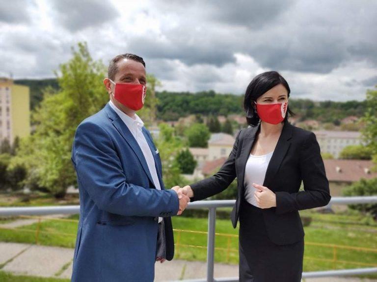 Az MSZP kihátrált saját jelöltje mögül Baranyában