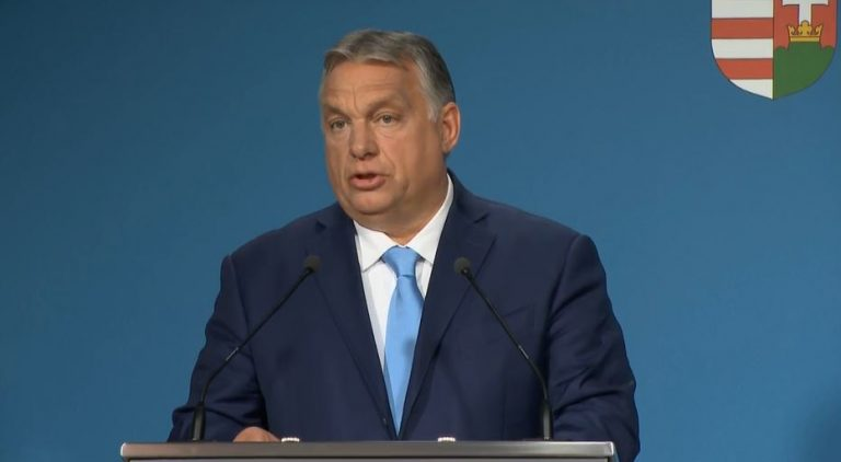 Orbán: aki nem veszi fel a második oltást, elveszíti a védettségi igazolványát