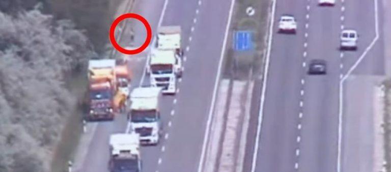 Rollerrel közlekedett autópályán egy férfi