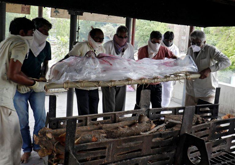 Követni se tudják Indiában, hogy mekkora pusztítást végez a COVID-19