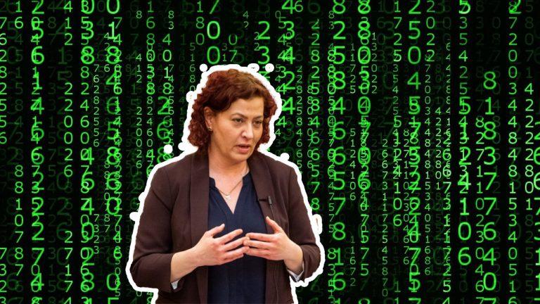 DK: Kémszoftverrel akar megfigyeltetni az Orbán-kormány