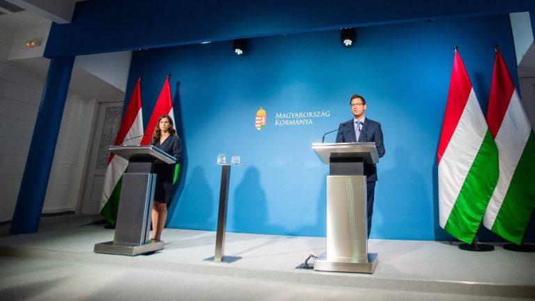 Kormányinfó: jön a negyedik hullám, kész a terv a magyarok kimenekítésére Afganisztánból