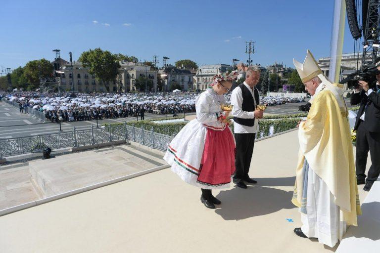 Magyarul köszöntötte és köszönte meg a vendéglátást a Szentatya